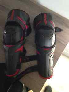 EVS Epic knee guard Genouillère de protection Motocross Velo