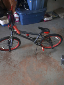 Selling bike with 4 pegs Great condition NEED GONE