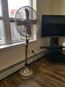Hampton Bay oscillating pedestal floor fan