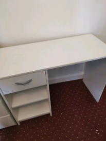 White desk with drawers shelvea