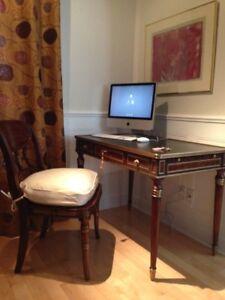 Bureau cuir et chaise Theodore Alexander