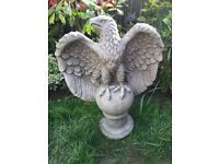 Large stone garden eagle statue, fantastic detail. New