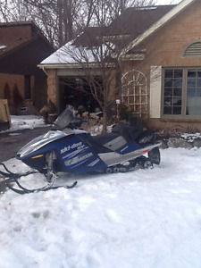 2005 Ski-Doo GSX SDI LIMITED Snowmobile with lots of accessories