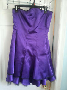 Strapless prom dress. Size 5 ladies. Worn once!