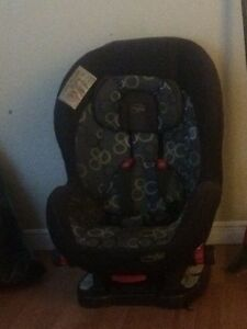 Rear and front facing carseat