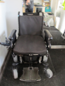Quantum Q6 Edge Wheel Chair