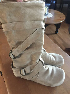 Like New Ladies Boots
