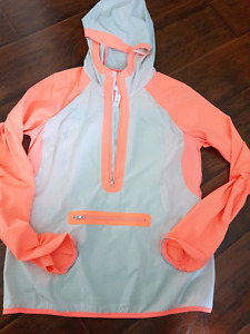 Lululemon running windbreaker