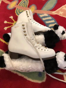 Gam Figure Skates, girls' size 4, excellent condition