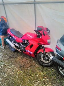 BUYING  GOOD OR DAMAGED SPORT BIKES CBR ZX RG500 GSXR RZ500 R6 Windsor Region Ontario image 7
