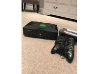 Xbox original + 6 games and 2 controllers