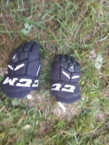 Youth ccm hockey gloves
