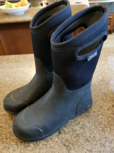 Bogs Winter Boots - Size 5