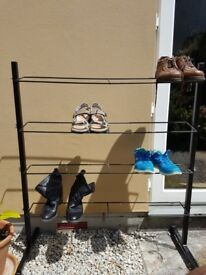 free to collect - spacious metal shoe rack