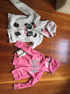 Bag of girls size 5 clothes, mainly winter