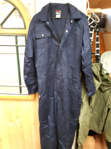 COVERALLS AND INDUSTRIAL RAIN SUIT