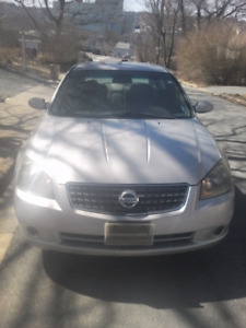 2005 Nissan altima. 4 Clyde. Low KM