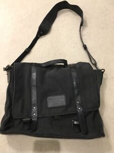CROWN CAP LAPTOP BAG