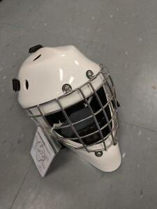 New Coveted A5 Hockey Goalie Mask Certified Cage Sr. Medium