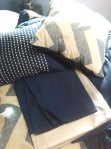 Navy blue Reversible queen comforter set