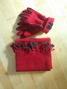 Gloves and scarf set.