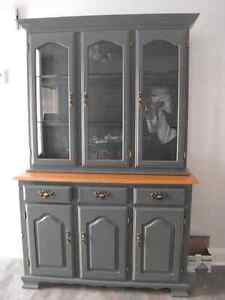 Hunter green hutch