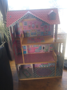 Big wood doll house fcfs no holds located in salmon arm