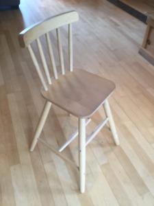2 chaises enfant en bois