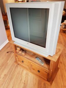 Meuble bois et télé rétro