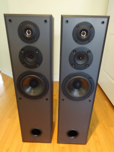 Sony SS-MF315/150 watts/3-way floor speakers for sale