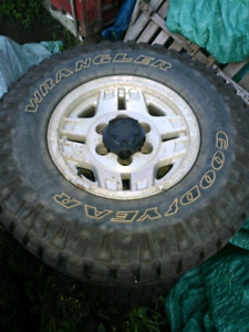Like New 31x10.5R15 Studded Duratracs with rims