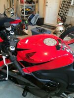 Sport bike; Showroom condition CBR 600 RR, reduced price