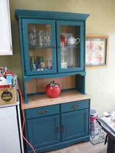 Kitchen hutch & dining table with 4 chairs