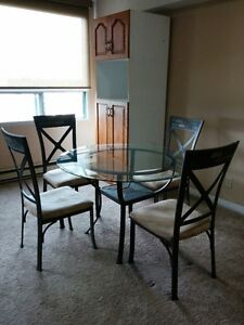 Glass/Metal Bowring Table + 4 Chairs