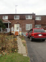 Townhouse, 3 bedrooms, good condition, excellent location
