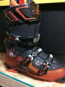 Solomon Quest 12 Boots Only Used 4 Times - Size 27 Kitchener / Waterloo Kitchener Area image 1