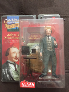 'Canadian Legends' Macdonald & Laurier PM action figs (New)