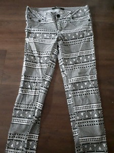 Pattern jeans from Urban Planet