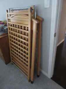 Wood Crib - 3 levels for mattress Kitchener / Waterloo Kitchener Area image 3
