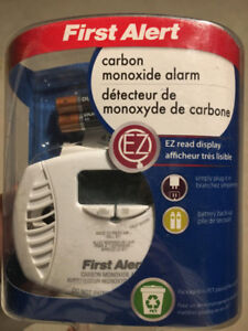 First Alert Plug-in Carbon Monoxide Alarm
