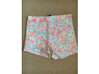 H&M Floral Shorts (12)