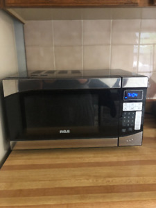 RCA Microwave for Sale - Almost New. Barely used.