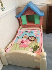 Little Tikes dollhouse bed