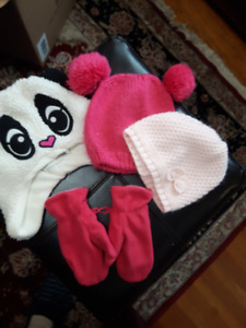 LITTLE GIRLS WINTER HATS AND MITTS - SIZE 2-4