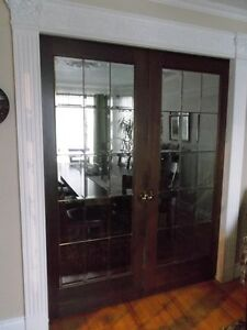 2 bevelled pocket doors