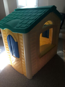 LITTLE TIKES PLAYHOUSE AND MINI KITCHEN Cambridge Kitchener Area image 3
