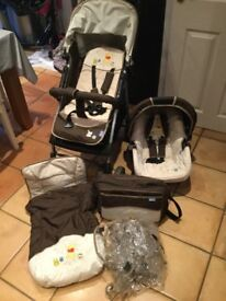 Hauck pram and carry cot set