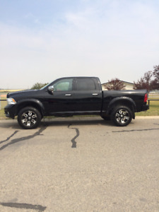 2012 Ram 1500 LIMITED Pickup Truck