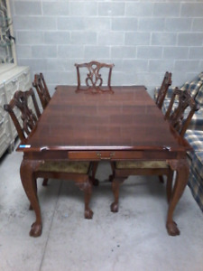 Dining table set HFHGTA east york