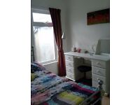 Room available to rent in shared house, Stranmillis area. Clean, cosy & modern house, new kitchen